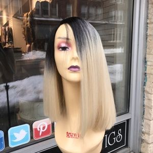 Blunt cut bob wig blonde ombré black root wig